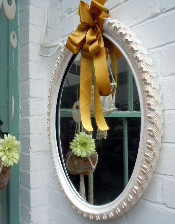 10-Ideias-para-reutilizar-o-pneu-na-decoracao-de-casa-espelho1